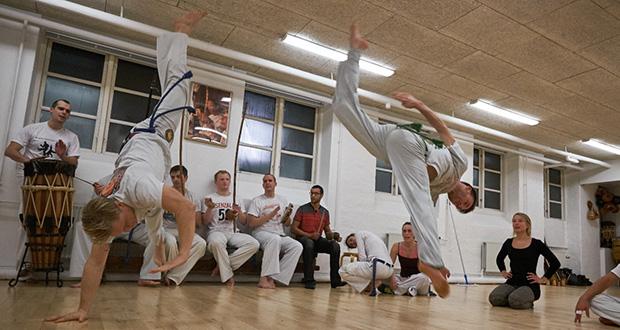 Få en gratis prøvetime i capoeira